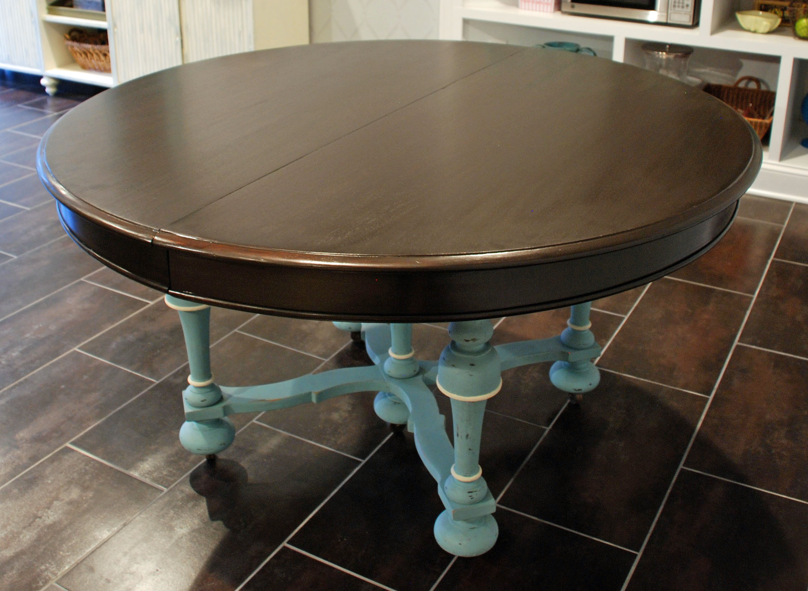 chalk paint dining table uniquely yours or mine. Black Bedroom Furniture Sets. Home Design Ideas